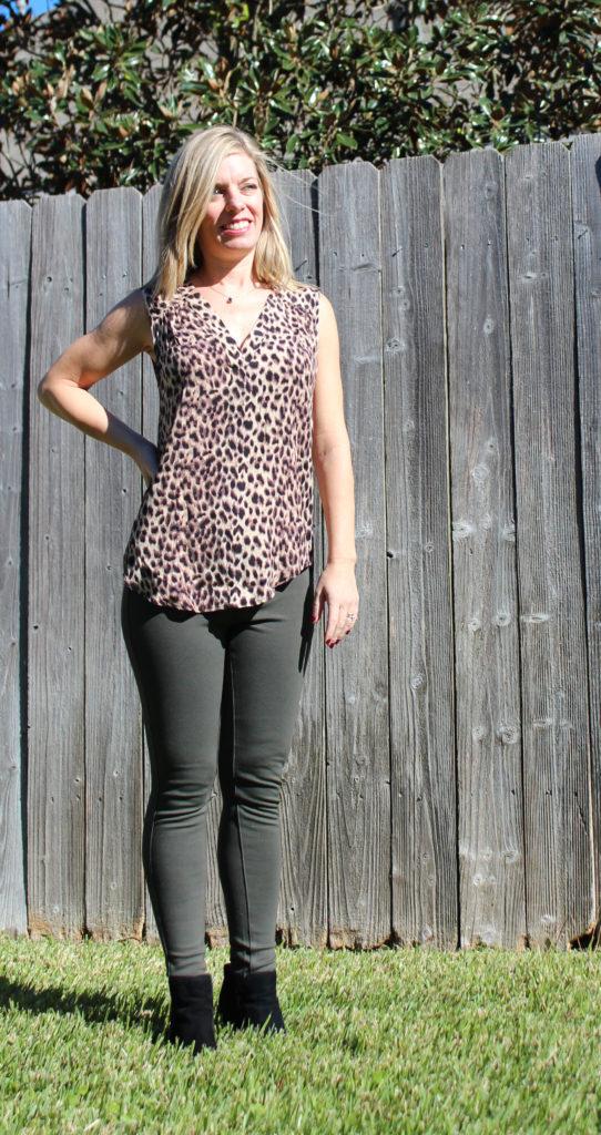Stitch Fix -41 Hawthorn Meera Split Neck Top, Liverpool Anita Skinny Pant